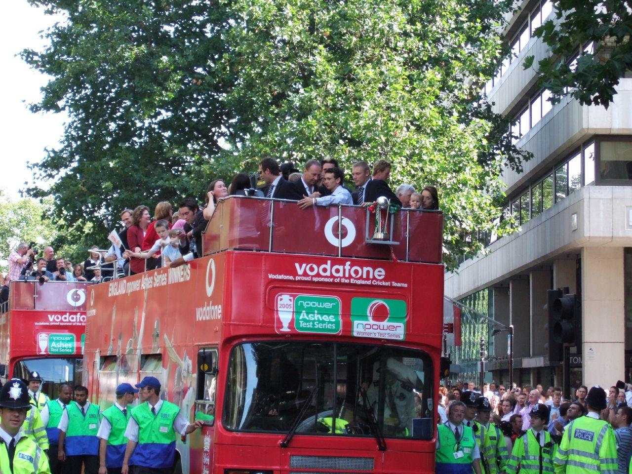 gary-pratt-england-bus